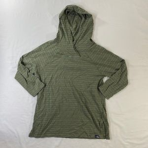 The North Face Quarter Sleeve Hooded Shirt